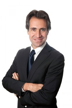 Cesar_Ayala-e1385904426425